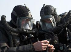 Uppgift: röj minfälten – Royal Navys VSW-team
