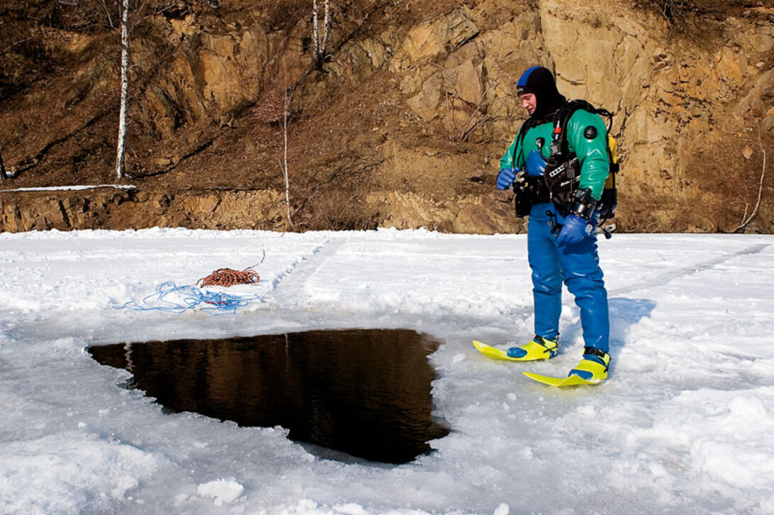 Under isen – i den upp- och nervända världen