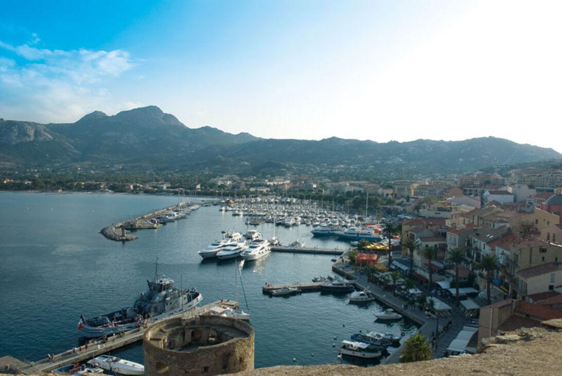Calvis flygande fästning – flygplansvrak på Korsika