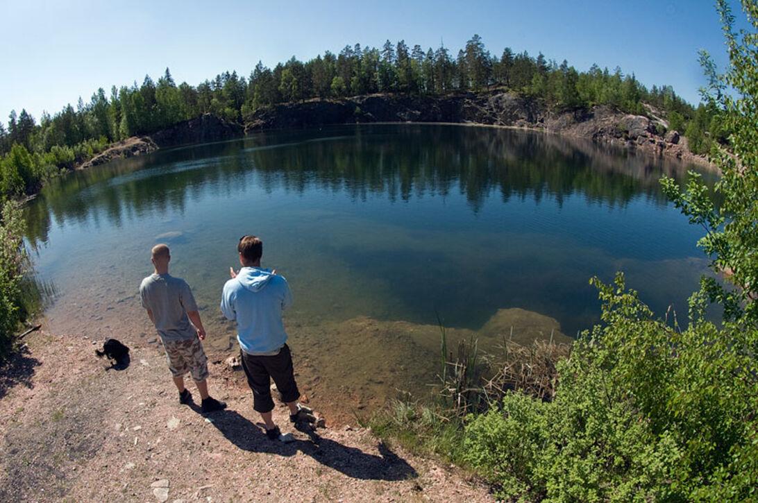 5 sköna sjöar – ROLIGA KOLSVA FÄLTSPATGRUVA