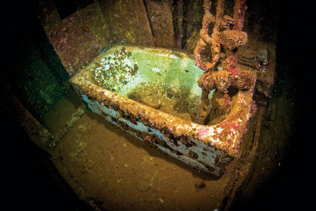 Badkaret i kaptenens hytt. Här tog han sig säkert ett bad innan han själv sänkte