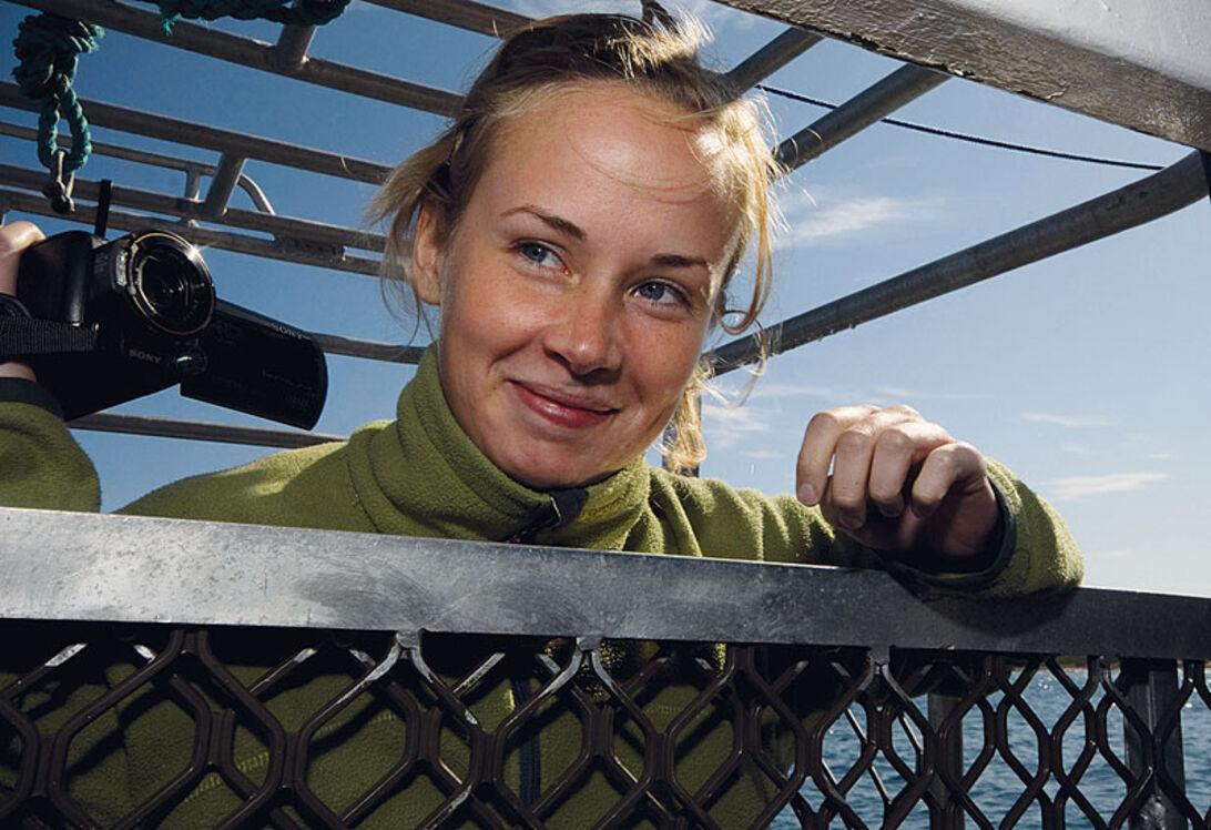 Det är lätt att vara modig så länge buren står på båtens däck.