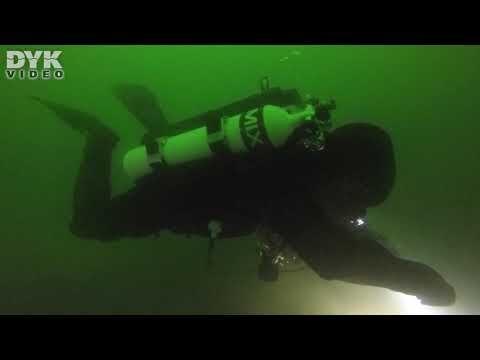 Dykning i sjön Perucac i republikken Srpska i Bosnien Hercegovina.