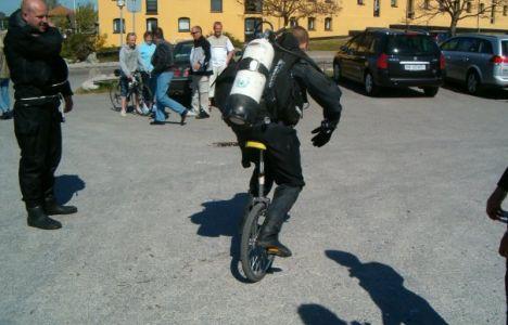 Lasse K. Smedegaard - Dykare på enhjuling