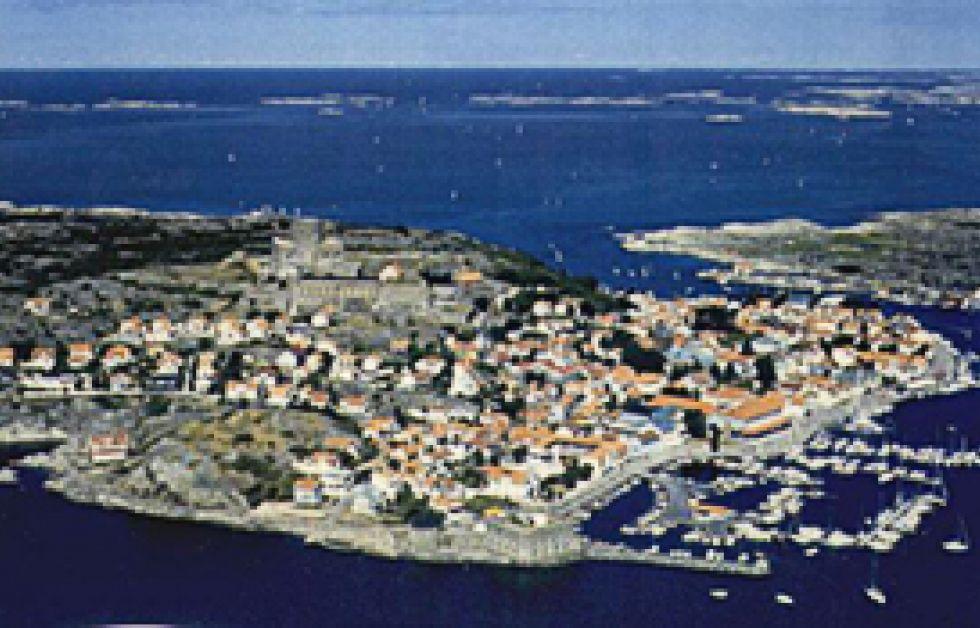 Konstgjorda rev utanför Marstrand